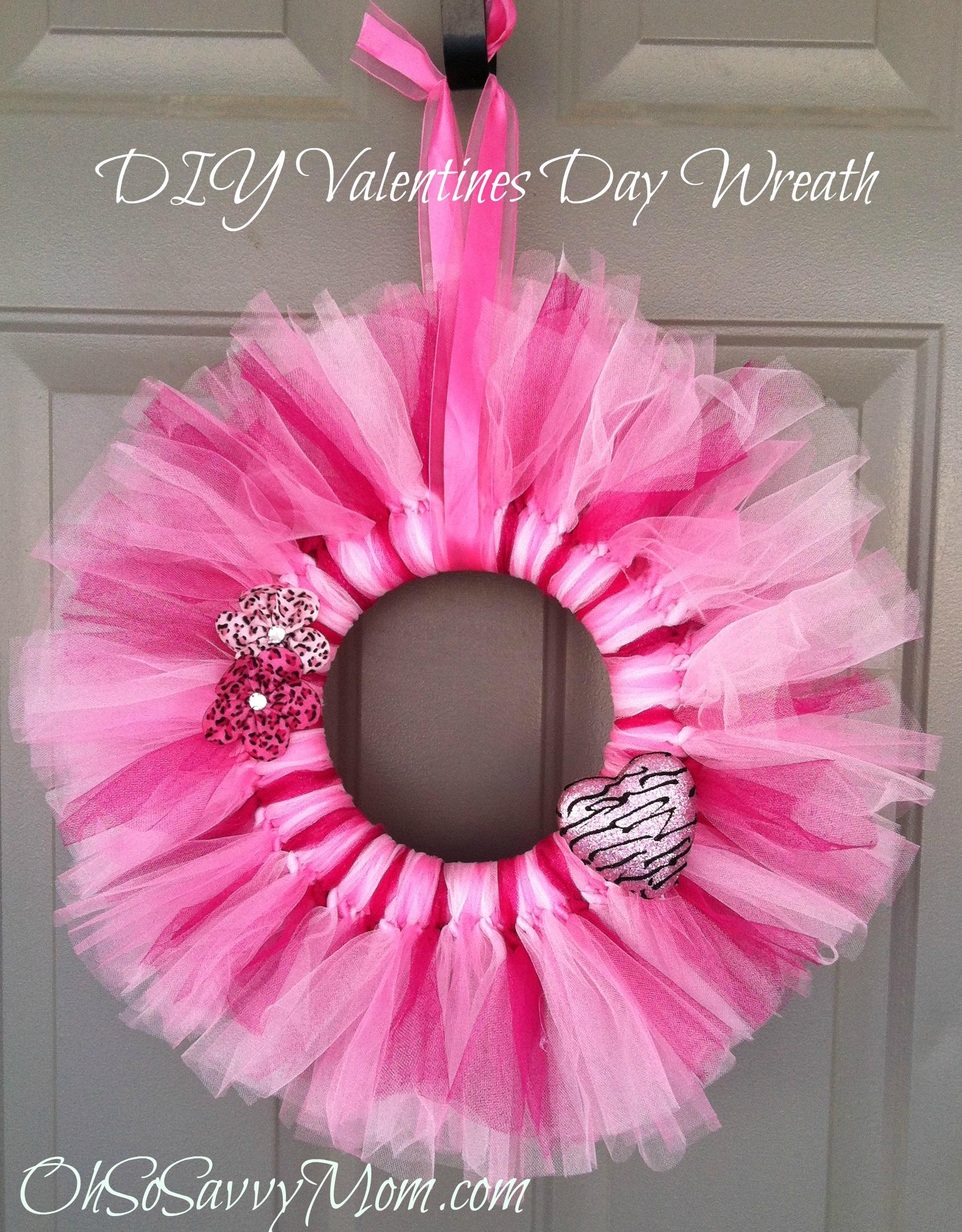 Valentines day door wreath diy oh so savvy mom rubansaba