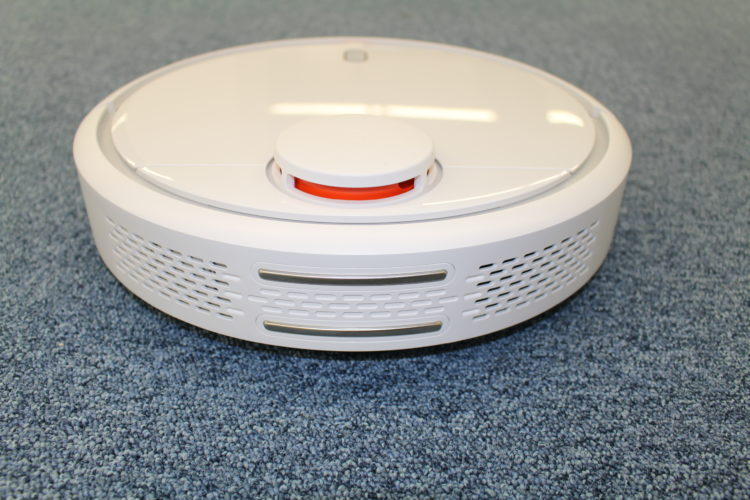 Robot Vacuum On Your Wish List? Know These Benefits and Drawbacks of Robot Vacuum Cleaners