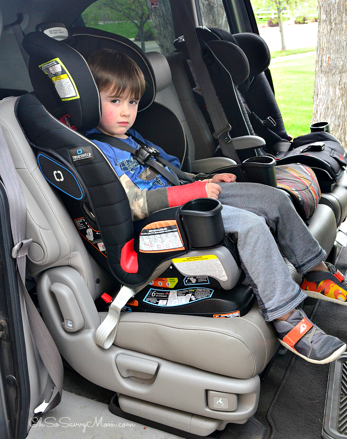 Graco Extend2Fit 3-in-1 Convertible Car Seat forward facing with 4 year old