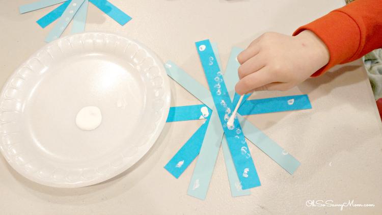 Preschool Winter Craft Q-tip Snowflake
