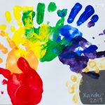 Adorable St. Patrick's Day Handprint Rainbow Craft!